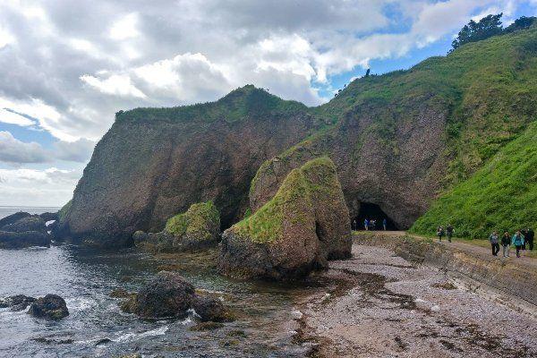 מערות קושנדון - כאן ילדה מליסנדרה את הצל שהרג את רנלי (צילום: jbdodane)