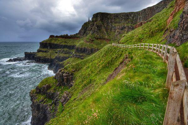 טיול על קו החוף הצפוני של צפון אירלנד (צילום: John Morton)