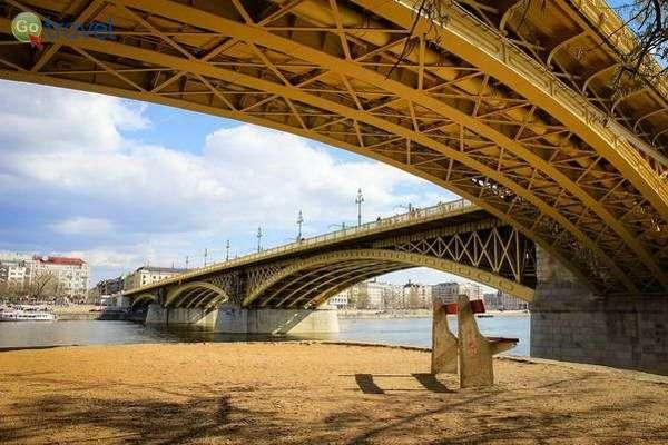 גשר מרגיט שמתפצל לאי מרגיט  (צילום: Pank Seelen)