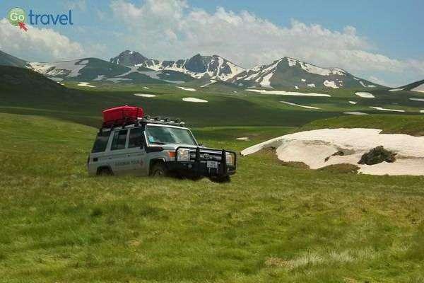 ירוק ולבן על פסגות ארמניה, בטיול עם המדריך הוירטואלי  (צילום: גלעד תלם)