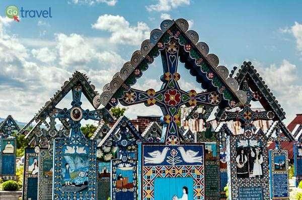 בית הקברות העליז של ספנצה  (צילום: MARIAN Gabriel Constantin)