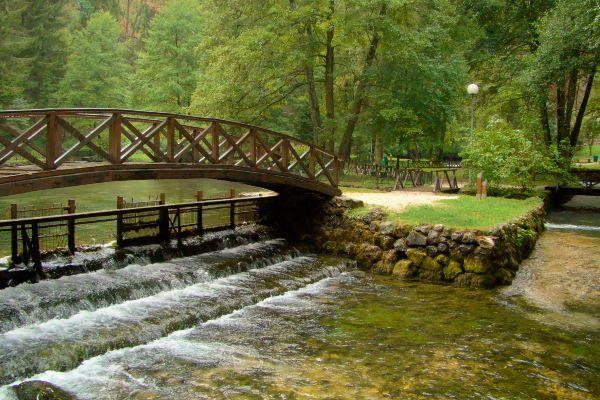 מקור נהר בוסנה - מקום מושלם לטיול (צילום: Sabazon)