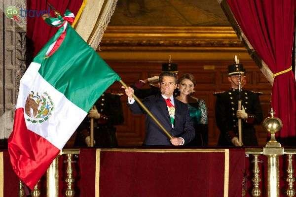 נאום יום העצמאות המקסיקני, בכיכר זוקאלו (צילום: EPN)