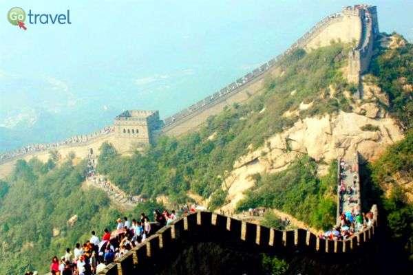 החומה בנויה על ראשי ההרים, והיא איננה רציפה (צילום: יובל נעמן)