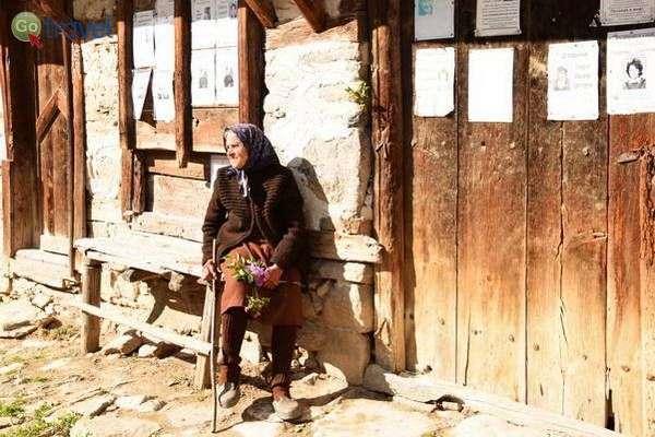 קשישה בכפר דולן  (צילום: כרמית וייס)
