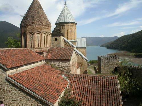 מבצר אנאנורי, גאורגיה