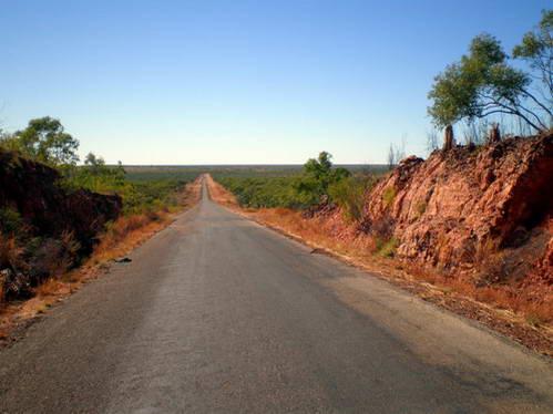 15 אלף קילומטרים, כביש אוסטרלי טיפוסי