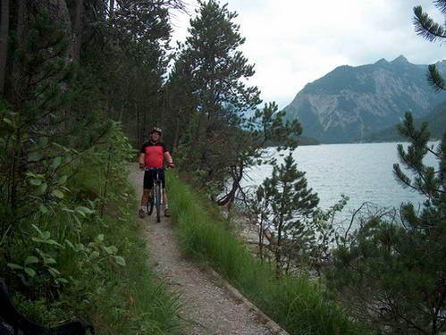סינגל מעל אגם פלנזי, אוסטריה