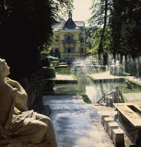 המזרקות בארמון הלברון, אוסטריה