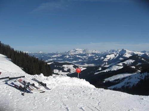 תצפית מאתר הסקי סקיוולט, אוסטריה