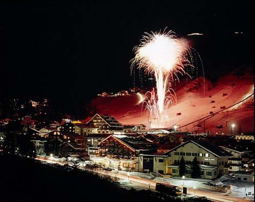 אתר הסקי סנט אנטון - אוסטריה ידועה בחיי לילה סוערים