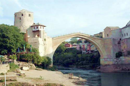 הגשר הישן שנתן את שמו לעיר מוסטר
