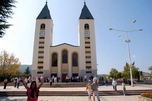 הכנסייה הגדולה במרכז העיירה מדז'וגורייה, בוסניה והרצגובינה