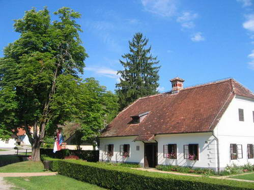 הכפר קומרובץ', צפון קרואטיה