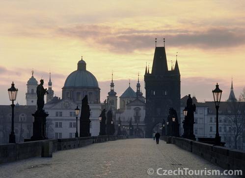 גשר קארל, ממוקדי התיירות של פראג, צ'כיה