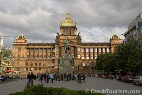 כיכר ואצלב והמוזיאון הלאומי, פראג, צ'כיה