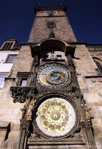 השעון האסטרונומי בכיכר העירייה, פראג