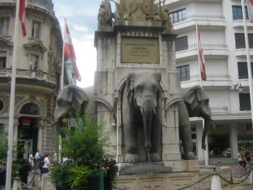 מזרקת הפילים בשמברי