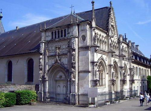 כנסיית מנזר הוטקומב, כאן קבורים נסיכי ומלכי שושלת סבואה