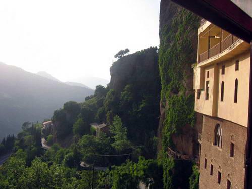 מנזר מגה ספיליו, צפון הפלופונסוס