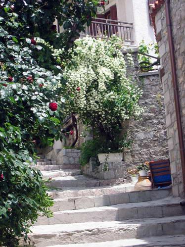 סימטה בכפר בצפון יוון
