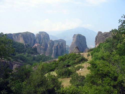 מנזרי מטאורה על ראשי הצוקים, צפון יוון