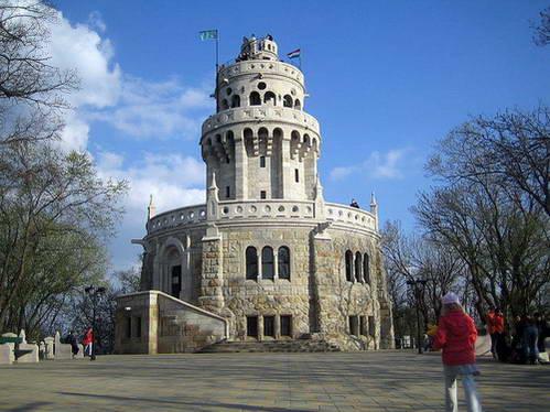 מגדל התצפית על גבעת יאנוש, לטייל עם ילדים בבודפשט