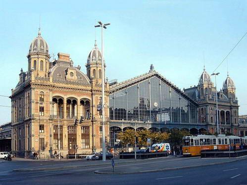 תחנת הרכבת נוגטי, לטייל עם ילדים בבודפשט
