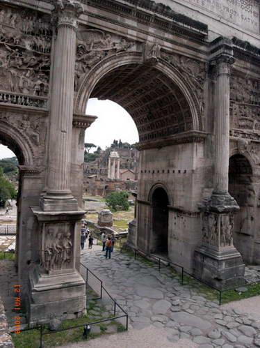 עבר ברומא - מבט לעבר הפורום הרומאי