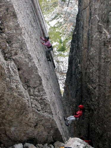 טיפוס מצוקים בהרי הדולומיטים