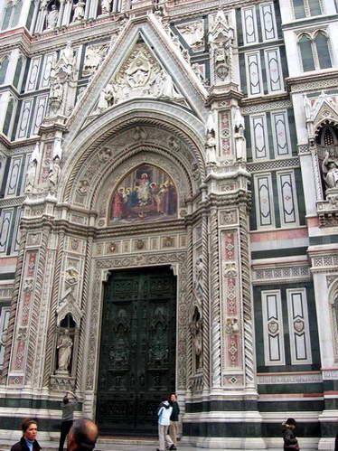 הכניסה הראשית לדואומו, פירנצה, איטליה