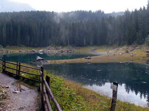 אגם קארצה בסוף הקיץ, איטליה