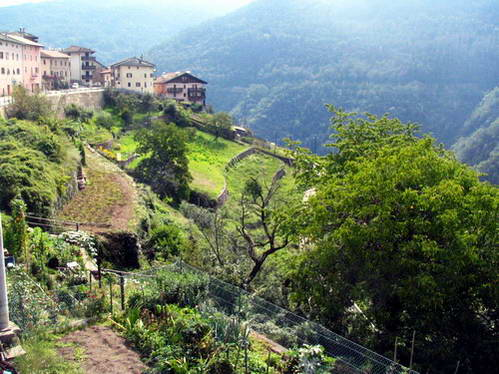 מדרונות עמק ואל די סמברה, איטליה