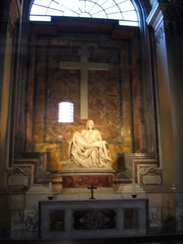 פסל הפייטה היפה בכנסיית סן פייטרו, ותיקן