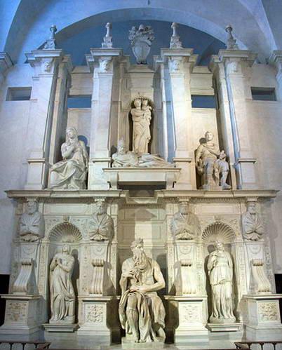 קברו של האפיפיור יוליוס השני ופסל משה במרכזו