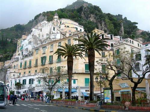נופים על דרך קוסטיירה אמאלפיטאנה, דרום איטליה