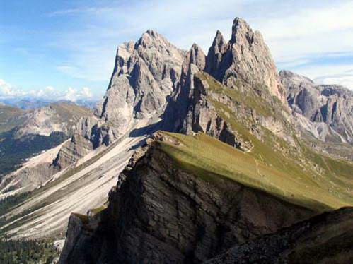 נופים דרמטיים בהרי הדולומיטים, איטליה