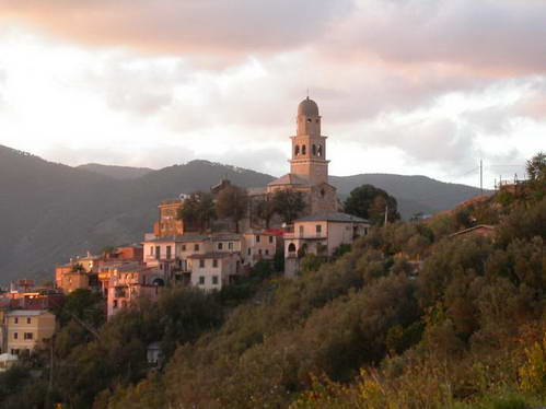אחד מכפרי צ'ינקווה-טרה, איטליה