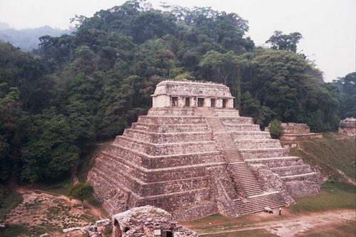פלנקה, עיר בלב הג'ונגל, מקסיקו