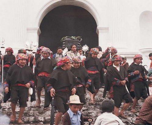 הלוויה בצ'יצ'יקסטננגו, גואטמלה