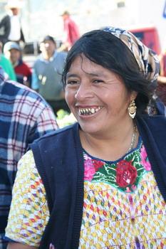 צאצאי המאיה, ילידה אמרינידית בכפר אלמולונגה