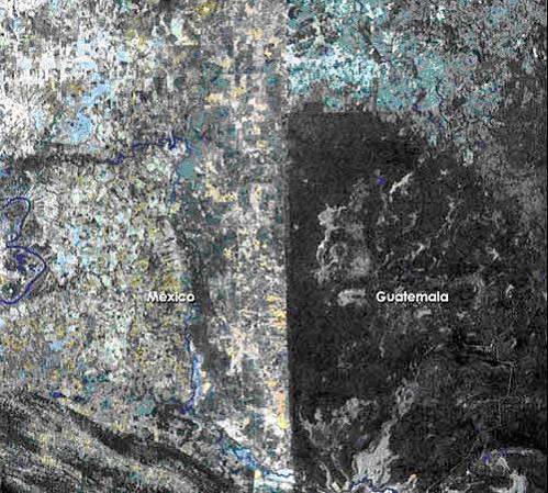 הגבול הברור בין גואטמלה למקסיקו כפי שהוא נראה מהחלל   (צילום: נאס