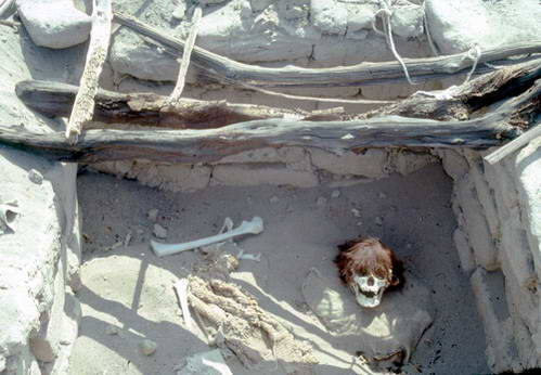 בית הקברות בצ'אוצ'ילה, נאסקה, פרו