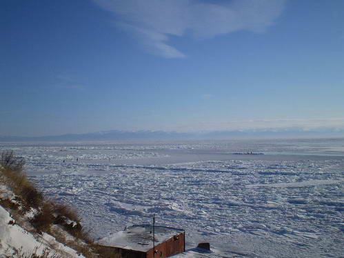 ימת באיקל הקפואה בחורף, רוסיה