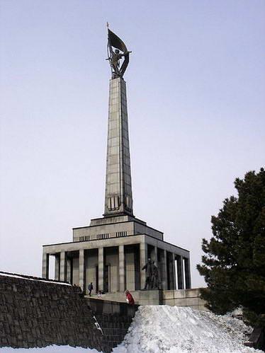 סלאבין, האנדרטה לחללים הסובייטים