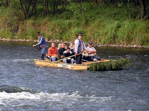 שייט ברפסודה על נהר דונייץ בצפון סלובקיה
