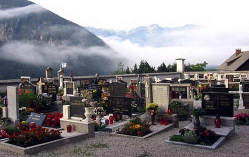 בית הקברות בחצר הכנסיה של סטרדנה ואס