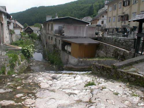 סלובניה, קרופה, כפר הנפחים