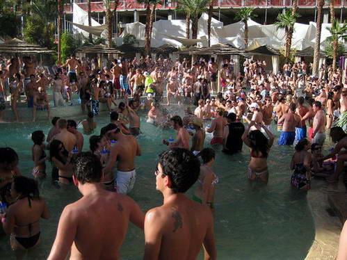 מסיבת בבריכה של מלון הארד רוק, לאס וגאס