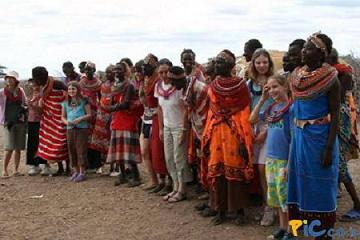 ספארי באפריקה, מפגשים עם תושבי המקום